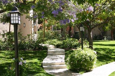Housing Inglewood Meadows
